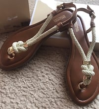MICHAEL KORS Holly Leather Sandal T-Strap, Size: 8, BRAND NEW W/ BOX Houston, 77056