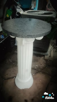white and gray table lamp Manassas
