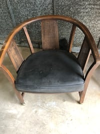 Vintage wooden chair with leather seat, and removable back padding  Shaler, 15116