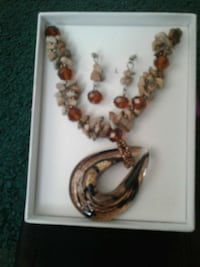 brown beaded necklace Rancho Cucamonga, 91739