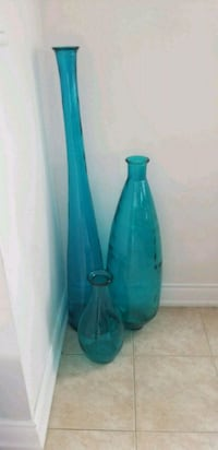 blue and black glass vase Milton, L9T