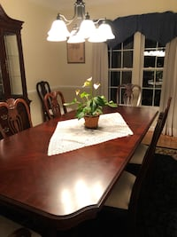 Traditional Dining Room Set  HYATTSVILLE