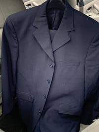 Suits size 42 R  and pants 33/32 Navr blue