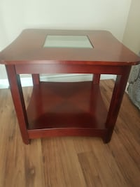 rectangular brown wooden side table Greater Sudbury / Grand Sudbury, P3Y 1M9