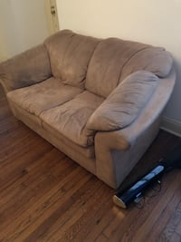 brown suede 2-seat sofa New Orleans, 70124
