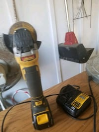 Dewalt grider battery and charger 20v max comes with 10 cutting wheels Martinsburg, 25405