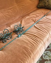 Curtain rod with filiales