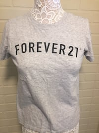 Forever21 gray top size small $3 Tracy, 95376
