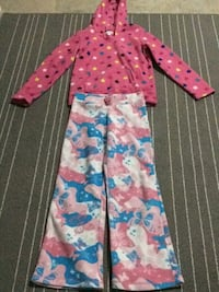 Winter sleeping clothes, size 10. Edmonton, T6W