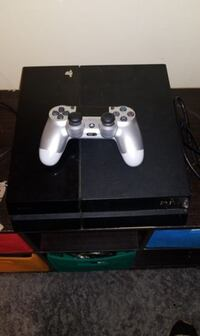 Sony PS4 console with controller Dallas, 75235