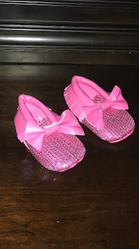 ????pink slip-on shoes new ????