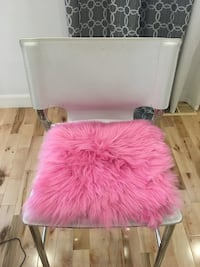 Faux fur decorative chair cushion Laval, H7P 0E6