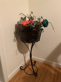 Southern Living plant stand