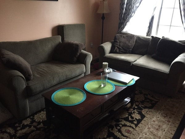 Terrific Used Black And Green Sofa Set For Sale In Sterling Letgo Gamerscity Chair Design For Home Gamerscityorg