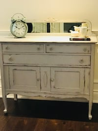 Shabby Chic Cottage Farmhouse Maple Sideboard/Hutch/Buffet Oakville, L6L