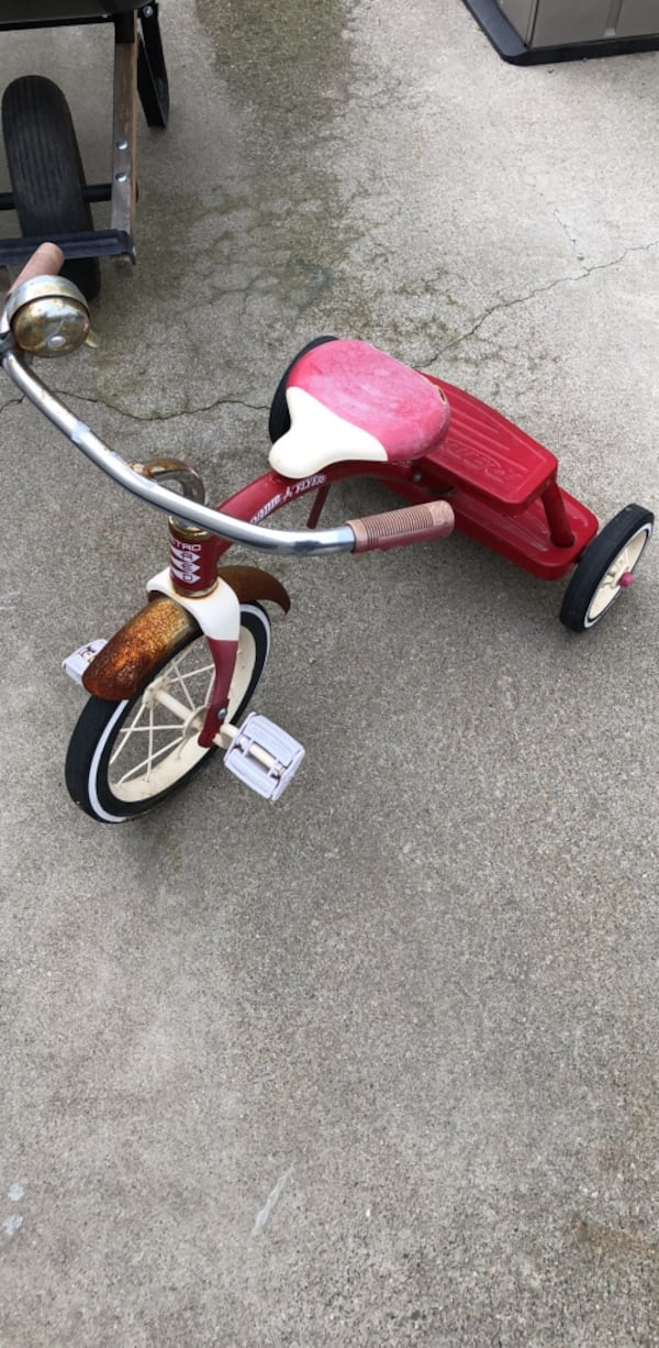 tricycle for  kids 02713b23-a3b6-4cad-bd35-11ba2069e8f6