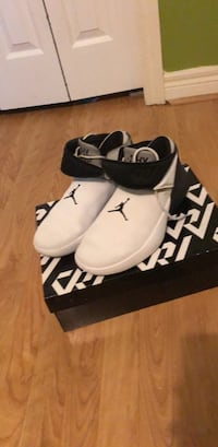pair of white-and-black Air Jordan shoes Kingsville, N9Y 1E8
