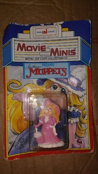 DIECAST Miss Piggy from THE MUPPETS Lancaster, 17578