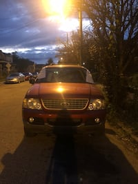 2004 Ford Explorer, Eddie Bauer edition, great V8 engine, car is totaled, available for parts Louisville
