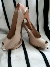 Biege/ rose leather peep-toe platform stilettos St. Catharines, L2W 1B8