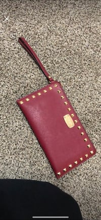 red and brown leather wristlet West Chicago, 60185