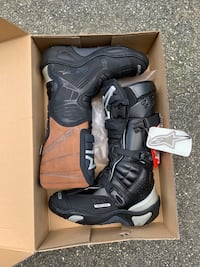 BRAND NEW - alpinestars SIZE 10 Damascus, 20872