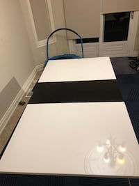 White and black Dining table for 4&6 people extendible Vaughan, L6A 2R2