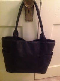 Avon Purse, has lots of pockets & organization slots, excellent condition Saint Petersburg, 33701