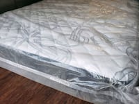 New Queen mattress +box 320$ pocket coil mid firm delivery 40 Edmonton, T6H 1A8