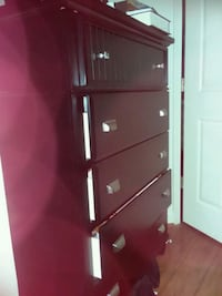 black and gray wooden 3-drawer chest Arlington, 22201