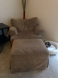 Oversized chair with ottoman  15 mi