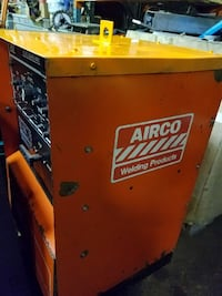 Used Airco 300 AC DC Square Wave Welder Reading