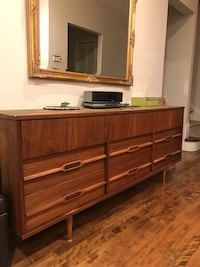 Mid-century commode Mont-Royal, H3R 1J9