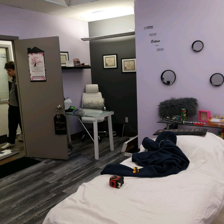 Reiki Therapist  a3c28423-eded-4eed-8536-c753c27f87f3