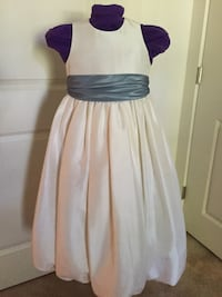 Girls Special occasion dress, size 7, Silk taffeta IVORY.