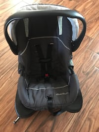 Baby's black and gray car seat carrier Tulare, 93274