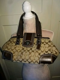 EUC Authentic COACH purse  Surrey