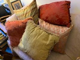 Sweet Looking Lot of 5 Accent Pillows
