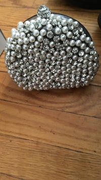 gray beaded pouch Parkville, 21234