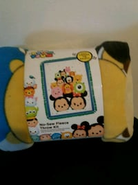 DISNEY'S No Sew Fun Blanket Kit