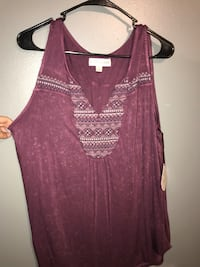 women's maroon sleeveless top 563 mi
