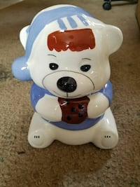 white and blue bear ceramic figurine Thompsonville, 49683