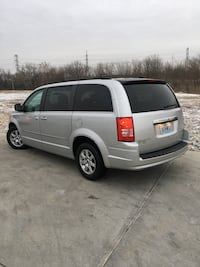Chrysler - Town and Country - 2010 St. Louis, 63116