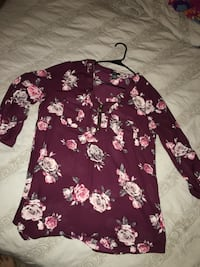 purple and white floral long-sleeved blouse