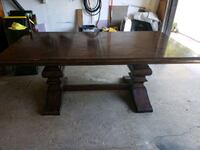 Dining Table - Extendable - with chairs