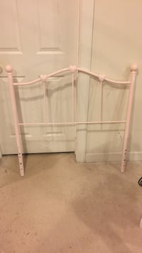 Twin bed metal hearts pink headboard Brookeville, 20833