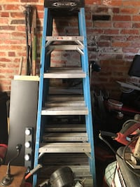 6ft fiberglass ladder with 250 lb weight capacity  Baltimore, 21214