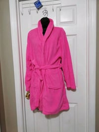 New with tags robe Summerville