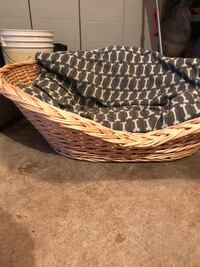 Wicker large dog bed Lakewood, 08701