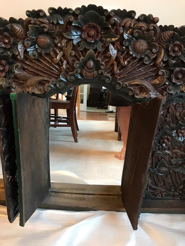 Handcrafted Wooden Mirror Made in Indonesia 8746d8db-6367-4002-bba6-c26ad0db1594